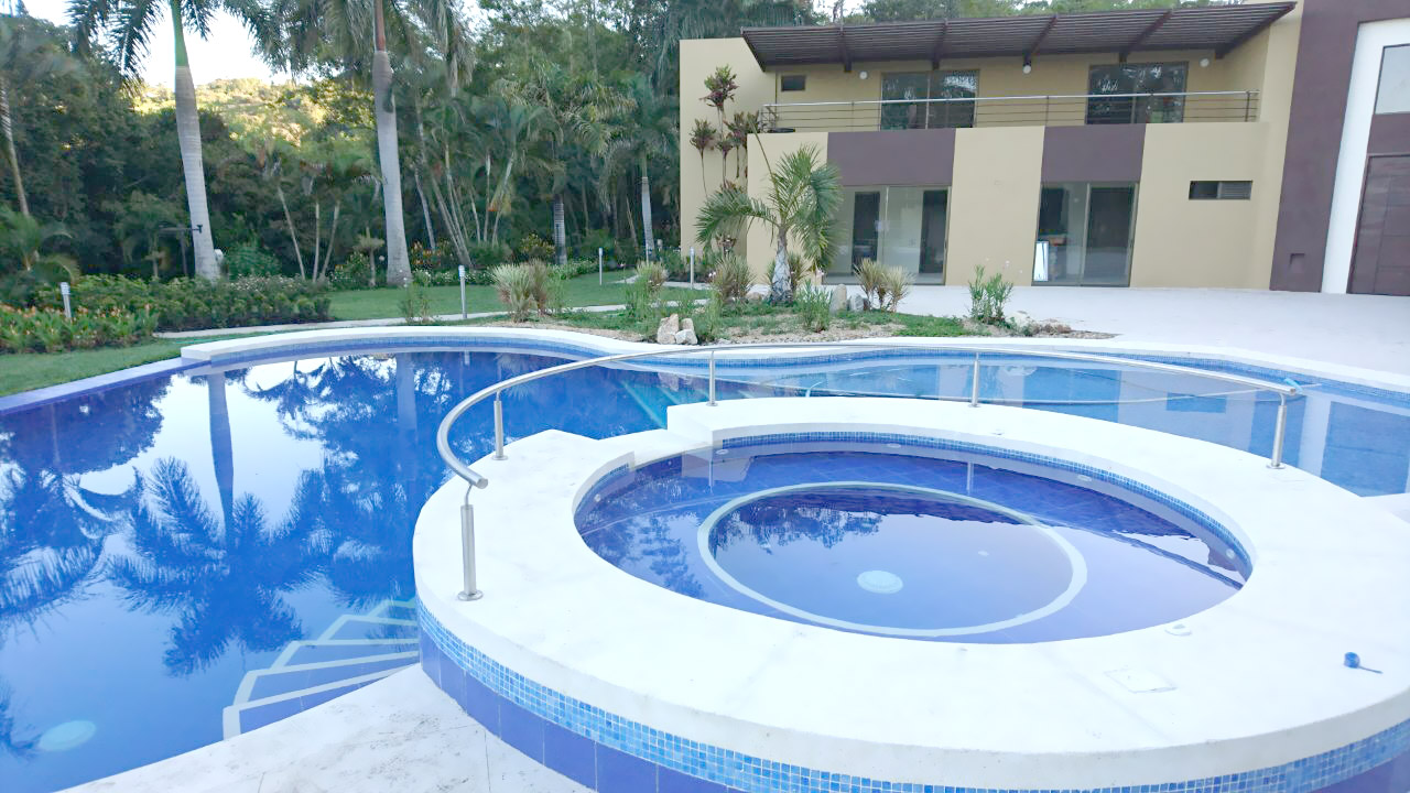 Construcci n de piscinas en colombia poolsarts for Construccion piscinas colombia